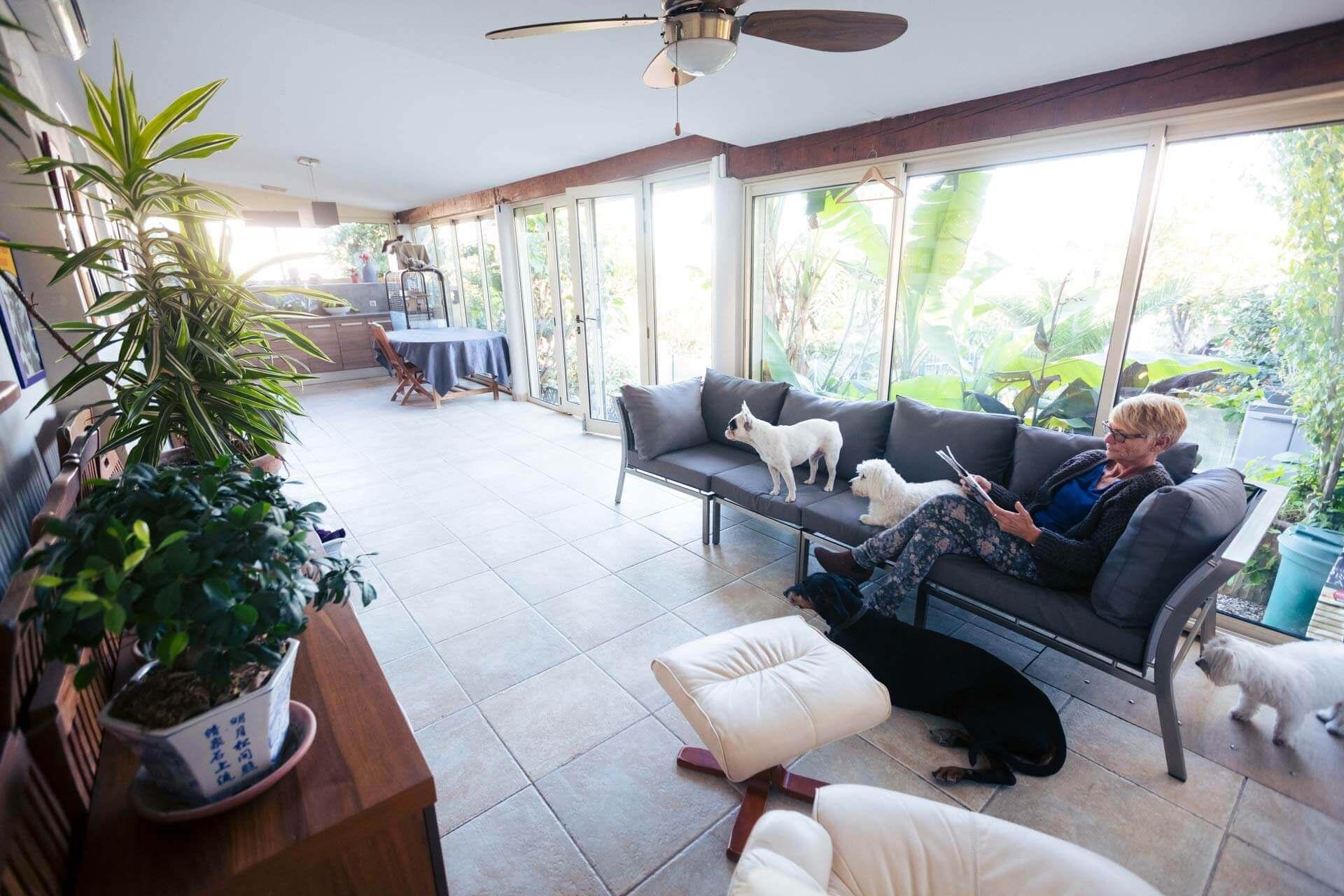 pension des cabots pour chiens a biot salon accueil